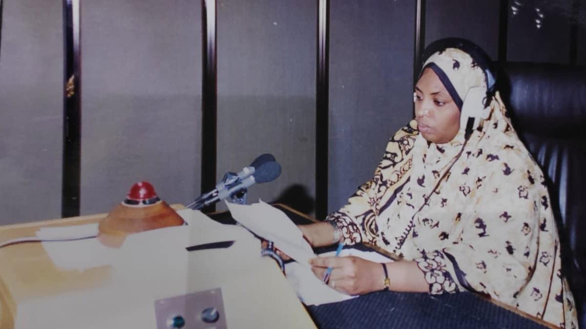 وفاة ليلى حارب تفجع العمانيين.. انتصرت على السرطان وهزمها كورونا وهذه قصة المسجد الذي بنته
