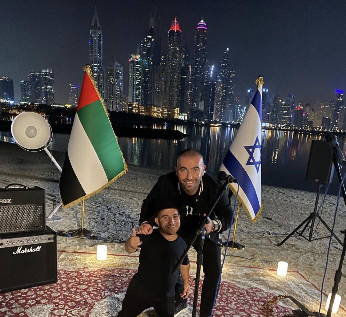 الإمارات تعتزم منح الفنان الإسرائيلي أومير آدام الإقامة الذهبية في دبي