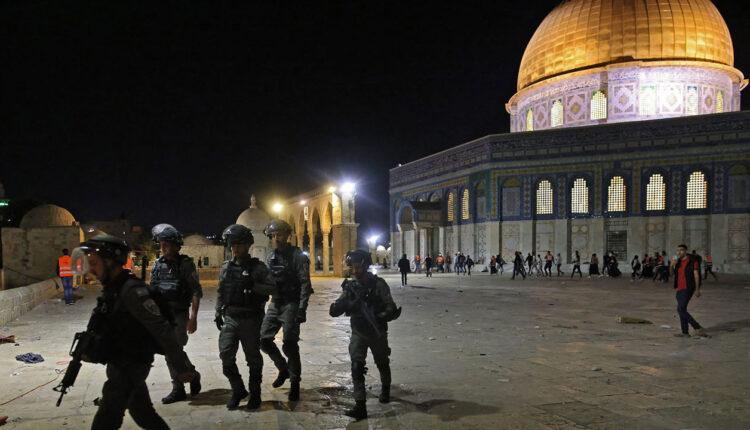 فلسطينيون يحشدون للتصدي لمحاولة اقتحام الأقصى