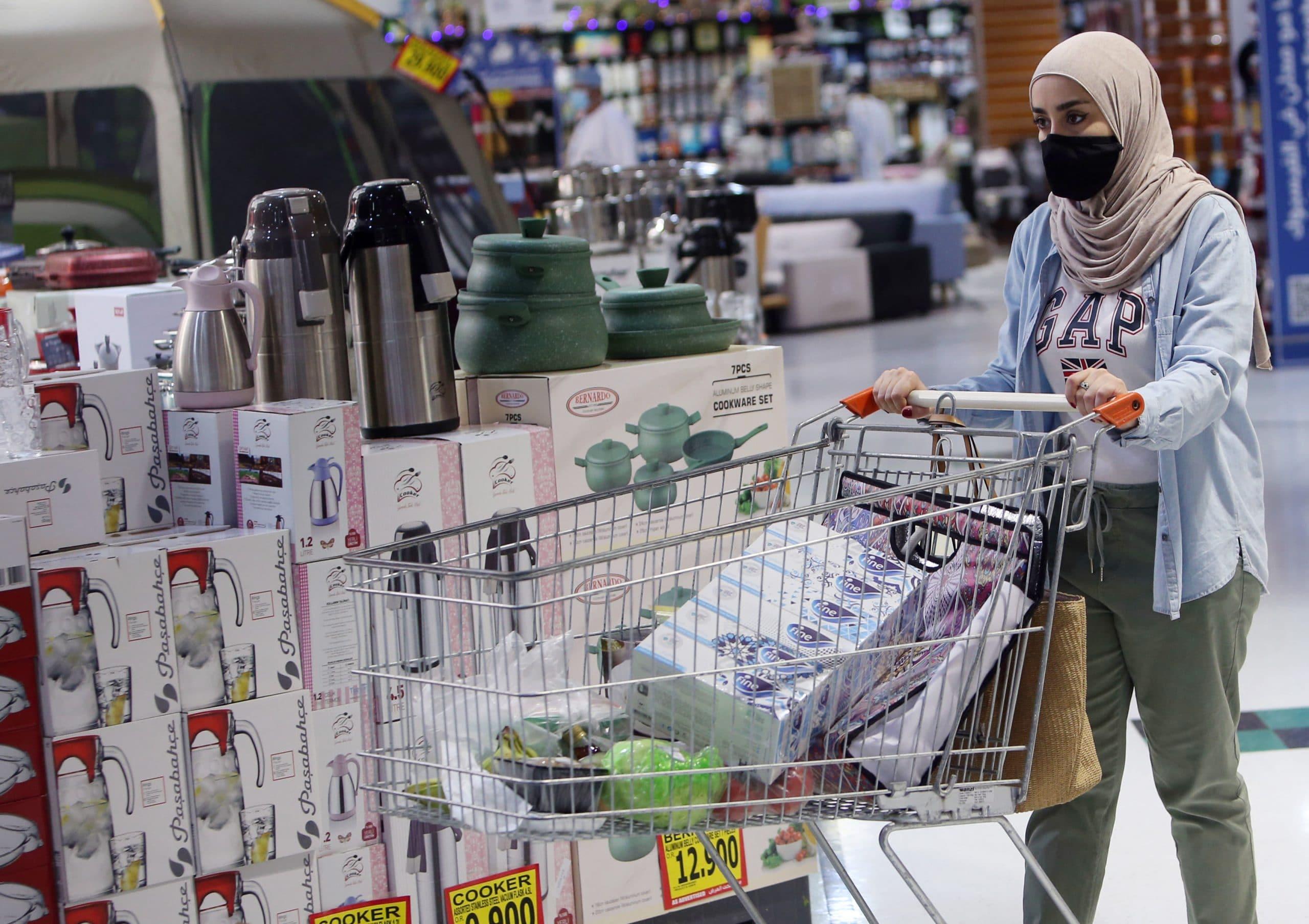 اللجنة العليا في سلطنة عمان تتخذ قرارات جديدة