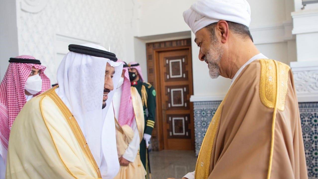 بلومبيرغ: السعودية تسعى لتحالف جديد مع العراق وقطر وسلطنة عمان وهمشت الإمارات