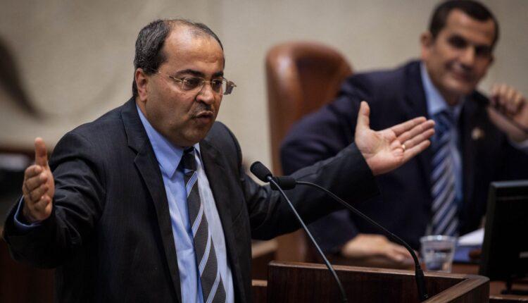 النائب العربي في الكنيست الاسرائيلي أحمد الطيبي