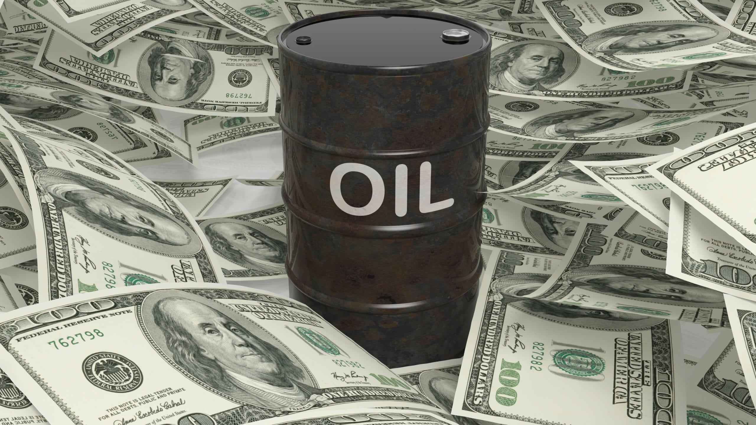 النفط مهيأ لأكبر خسارة أسبوعية منذ أوائل أبريل، مع عودة تفشي فيروس كورونا