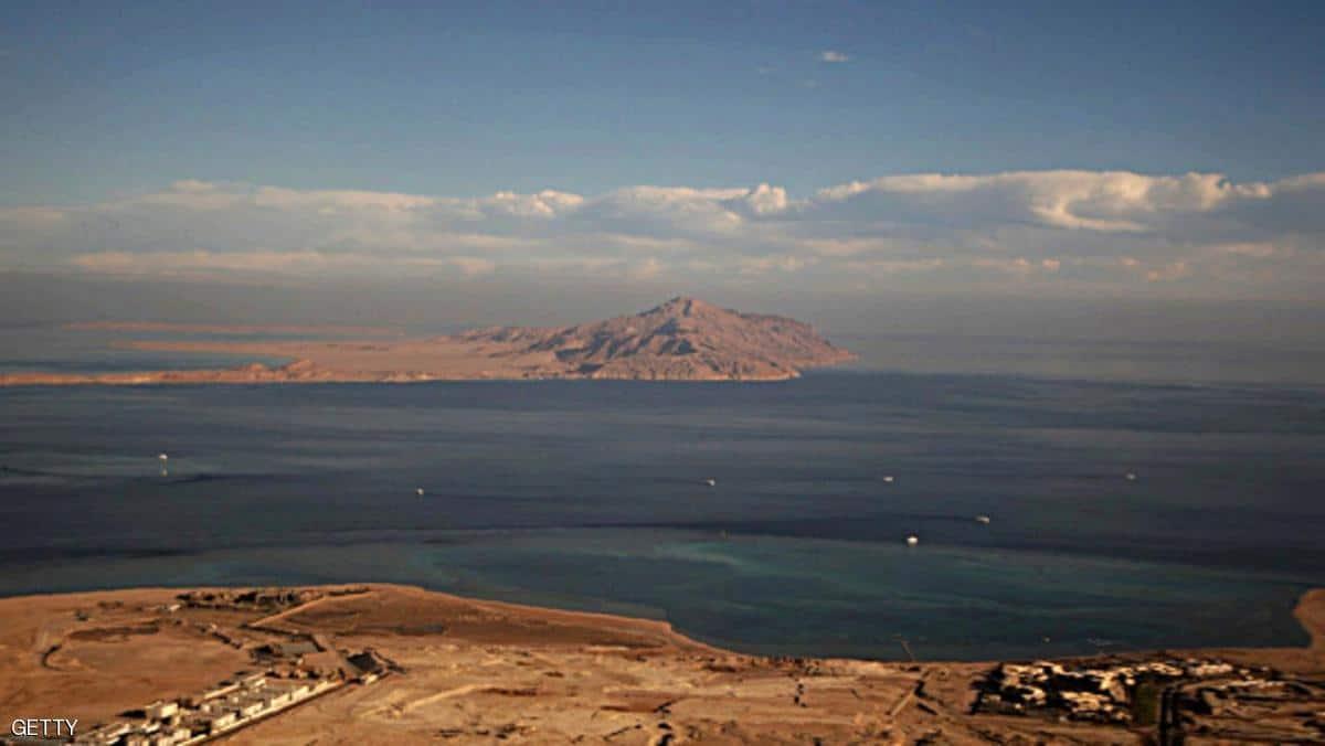 قوات حرس الحدود السعودية طردت 3 مراكب سياحية مصرية مختلفة من محيط جزيرتي تيران وصنافير وفقا لمصادر مصرية