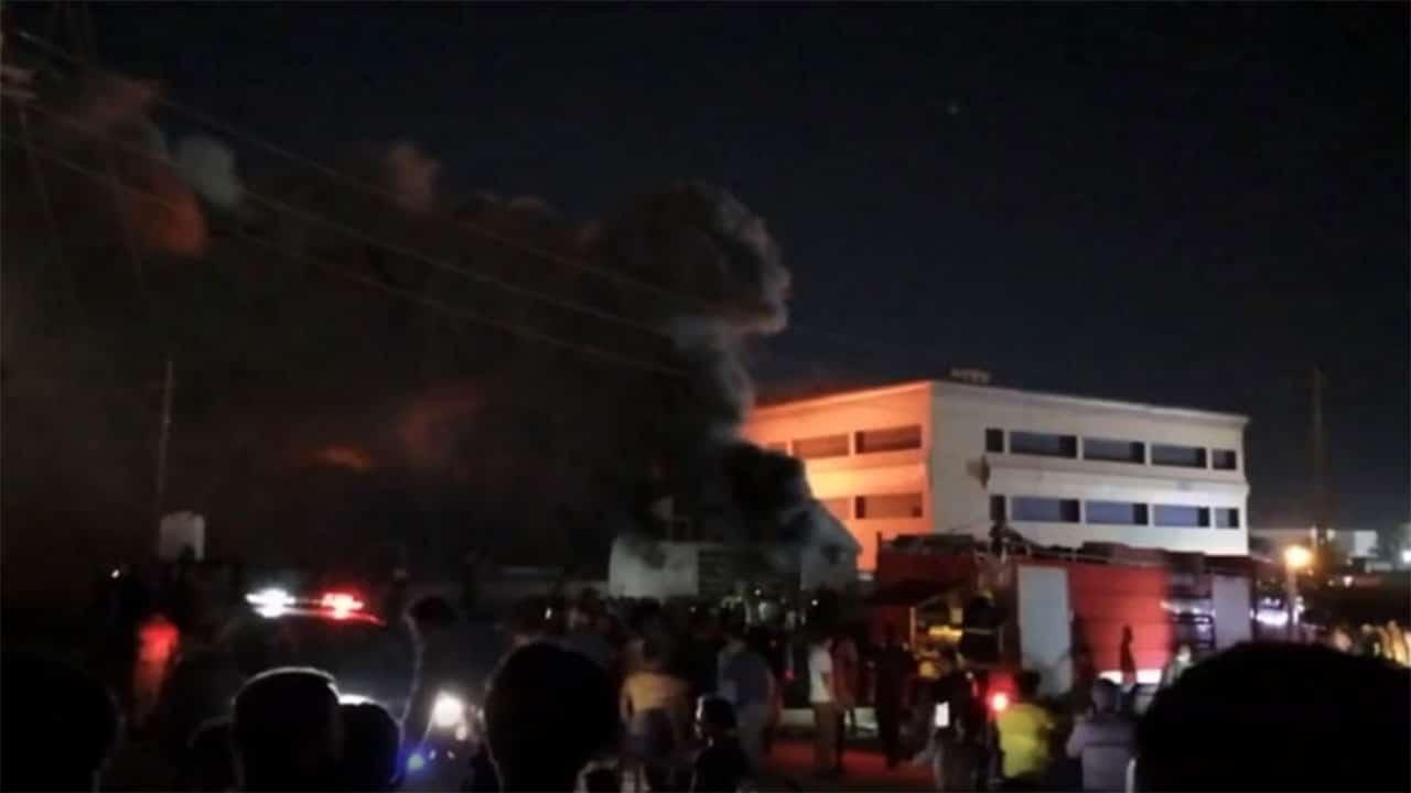 حريق مستشفى الحسين .. فاجعة جديدة راح ضحيتها أكثر من 50 عراقياً تفحمت أجسادهم (فيديو)