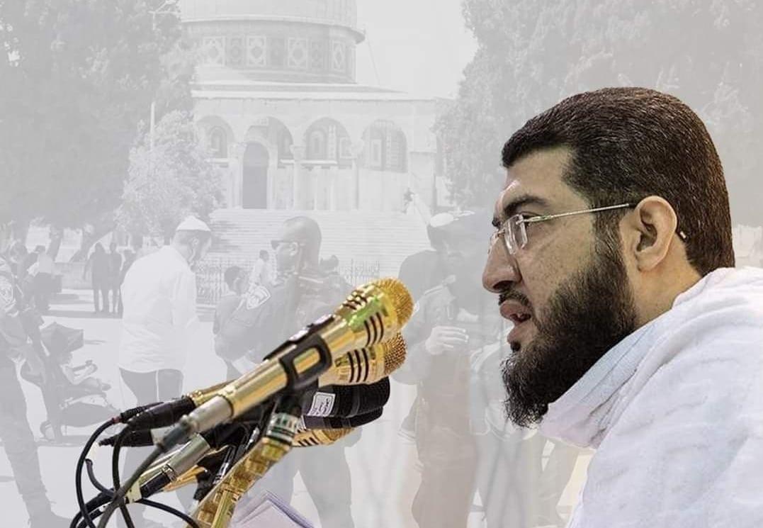 خطيب عرفة بندر بليلة يتجاهل اقتحامات المسجد الأقصى من قبل المستوطنين