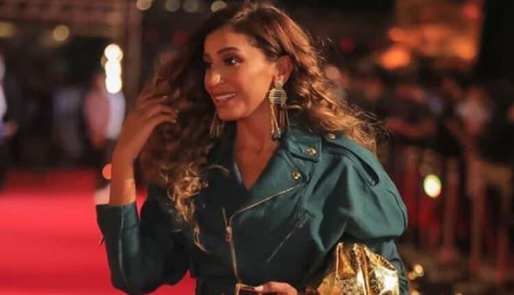 دينا الشربيني تتعرض لموقف مُحرج بسبب عمرو دياب أثناء تواجدها في العرض الخاص لفيلمها الجديد