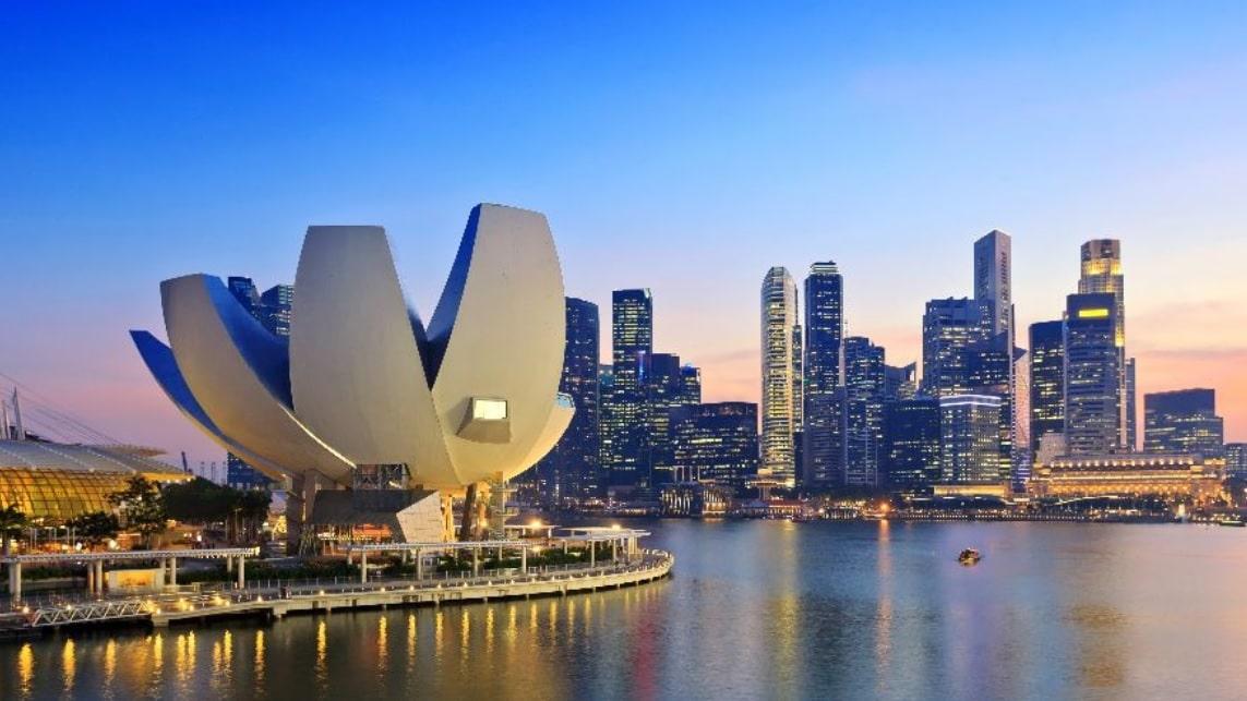 صندوق الثروة السيادي القطري وحجمه 300 مليار دولار يبني مركزًا إقليميًا في سنغافورة .. ما الهدف!