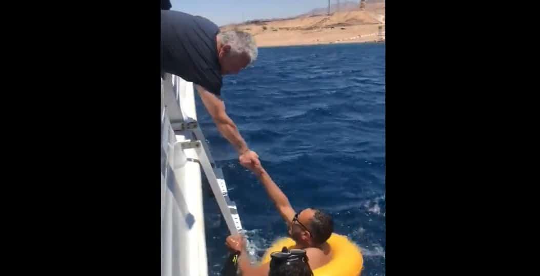 شاب أردني يطلب من الملك عبدالله مساعدته في الزواج