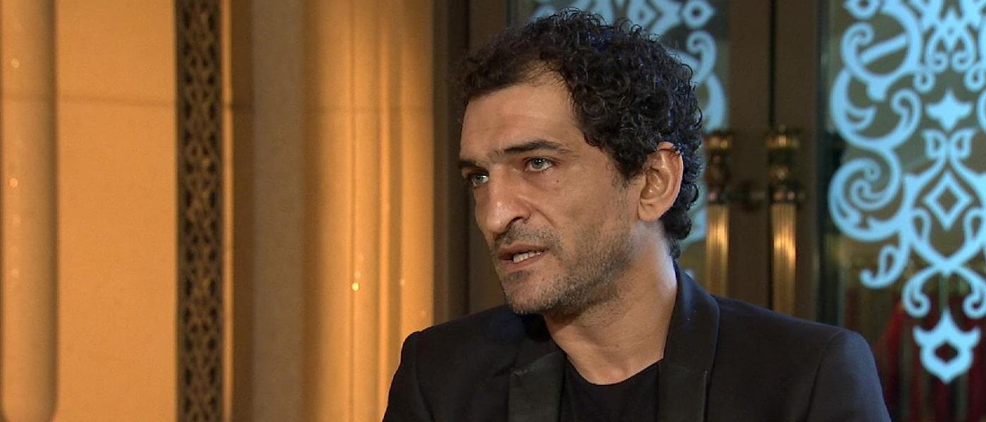 عمرو واكد ينصح التونسيين بعزل رئيسهم