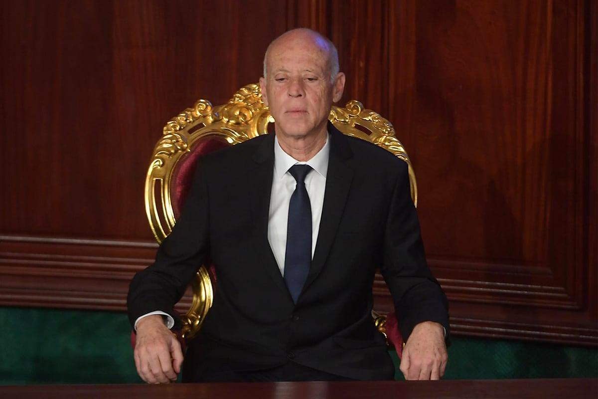 قيس سعيد يفرض الحظر على كامل التراب التونسي