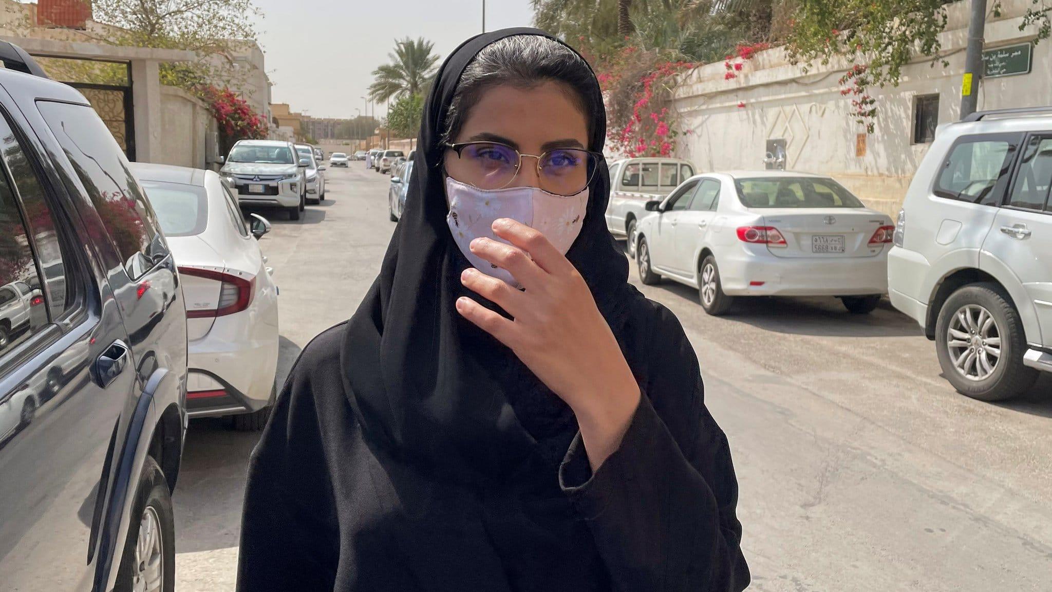 رسائل من حارس سجن سعودي تكشف مشاهداته لتعذيب لجين الهذلول والناشط الحقوقي محمد الربيعة