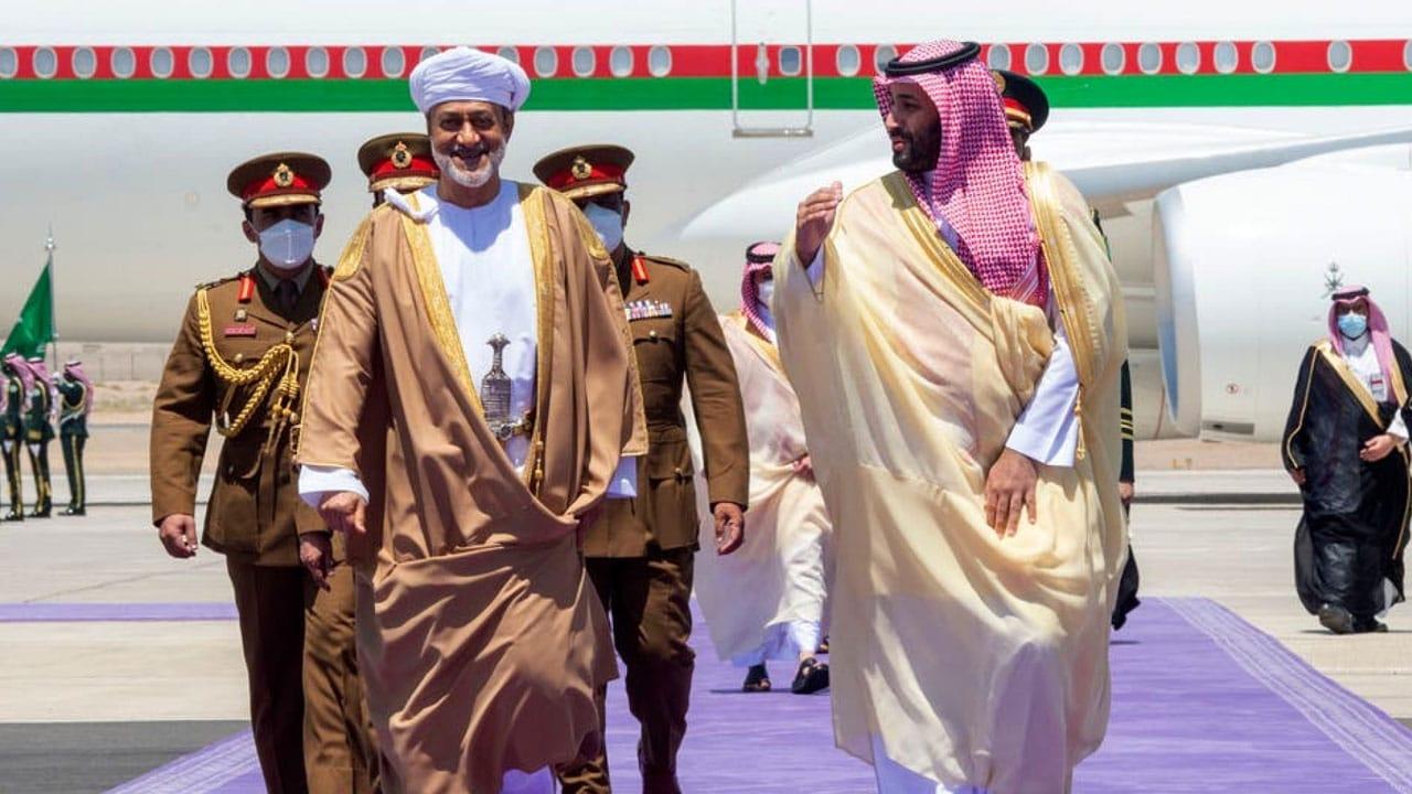 محمد بن سلمان والسلطان هيثم بن طارق