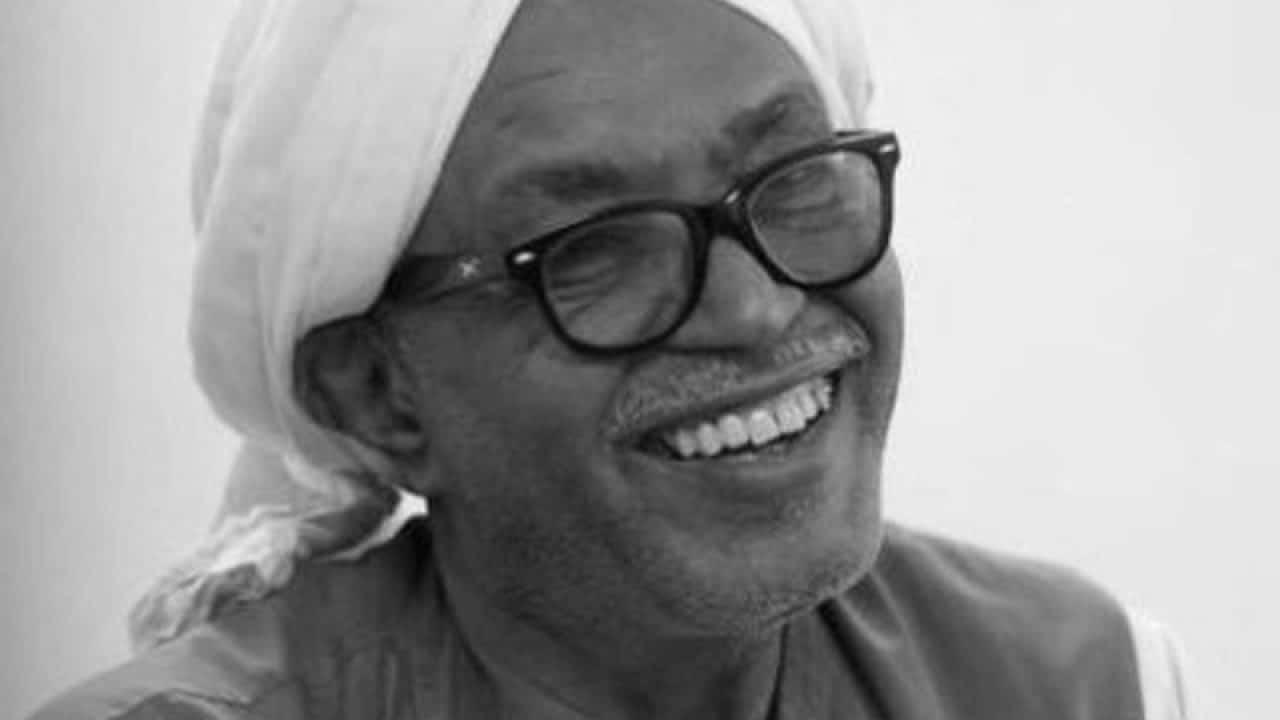 من هو الشاعر السوداني محمد طه القدال الذي توفي في الدوحة؟