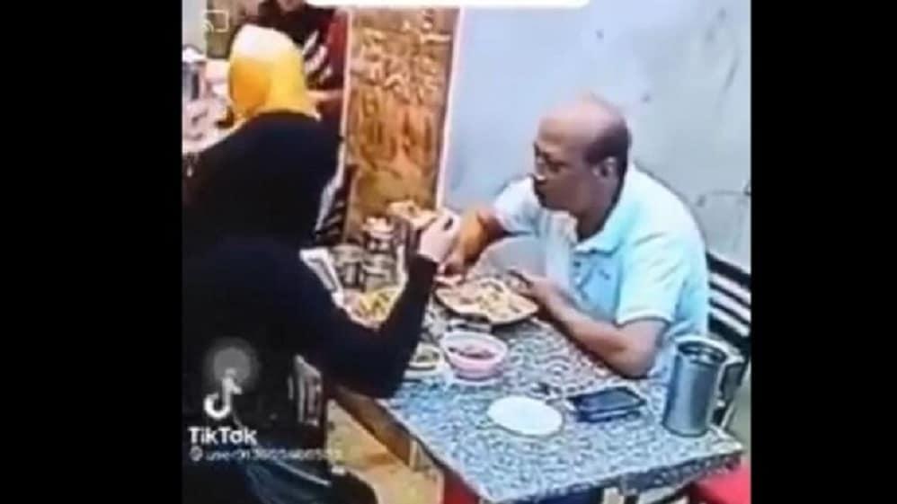 مصرية تعتدي على زوجها