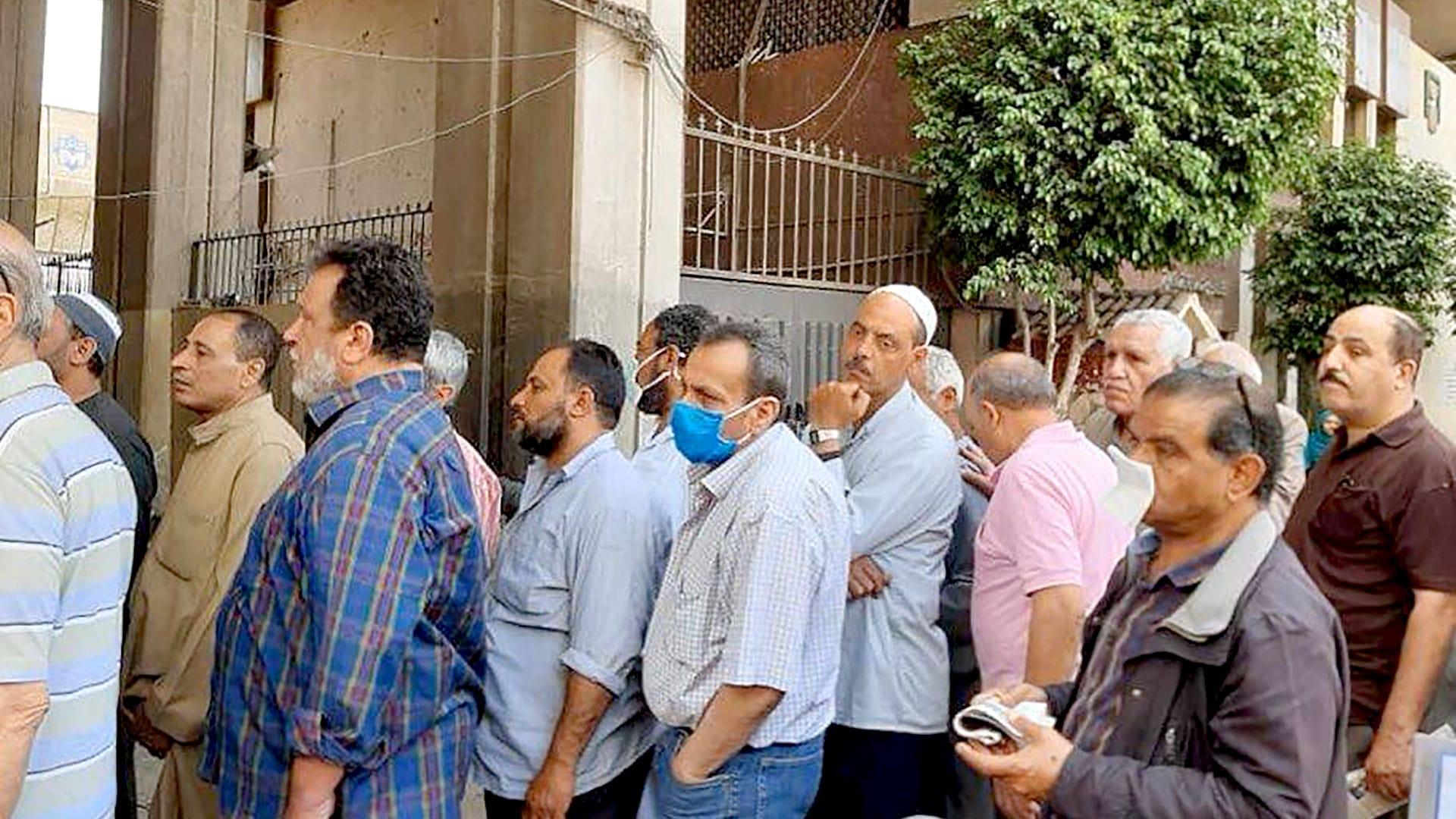 مصر تبدأ تطبيق قانون فصل الإخوان