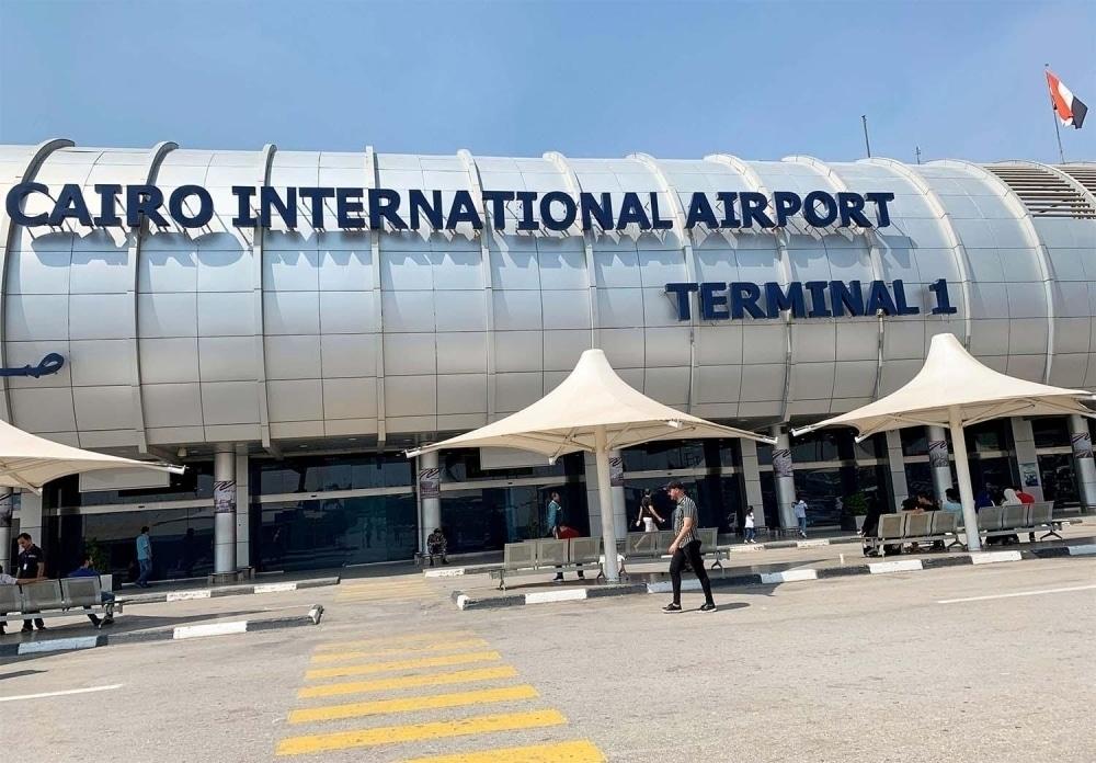 اللجنة العليا في سلطنة عمان ترفع حظر السفر عن الوافدين من مصر وتضيف 9 دول جديدة