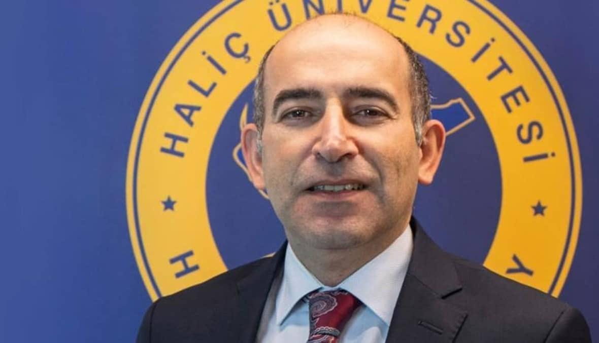 """أردوغان يقيل رئيس جامعة البوسفور """"مليح بولو"""" .. لا بديل ولا أسباب لإقالته!"""