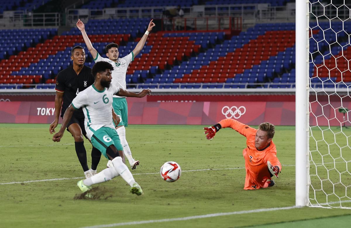 مباراة منتخب السعودية والبرازيل
