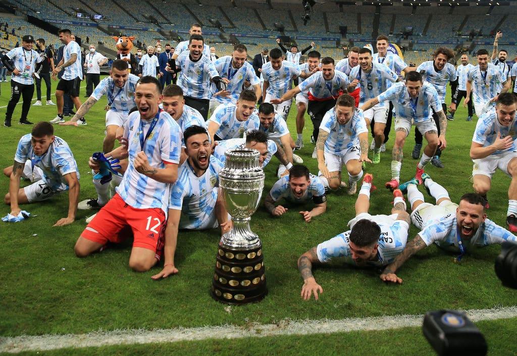 """""""شاهد"""" دموع ميسي بعد التتويج بلقب كوبا أمريكا مع منتخب الأرجنتين"""