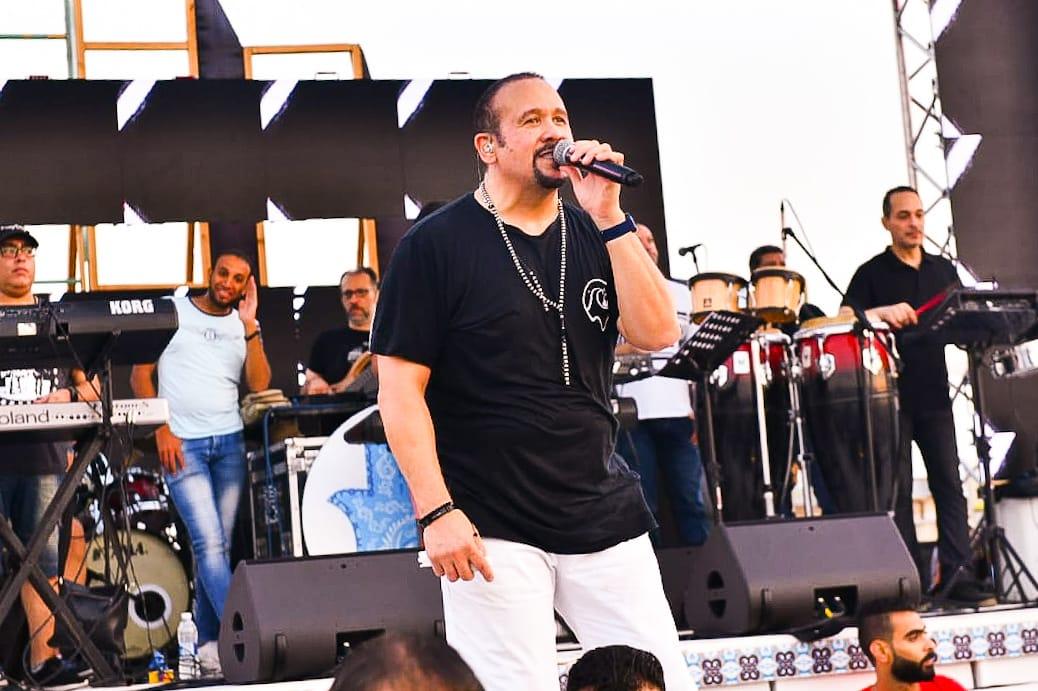 هشام عباس1