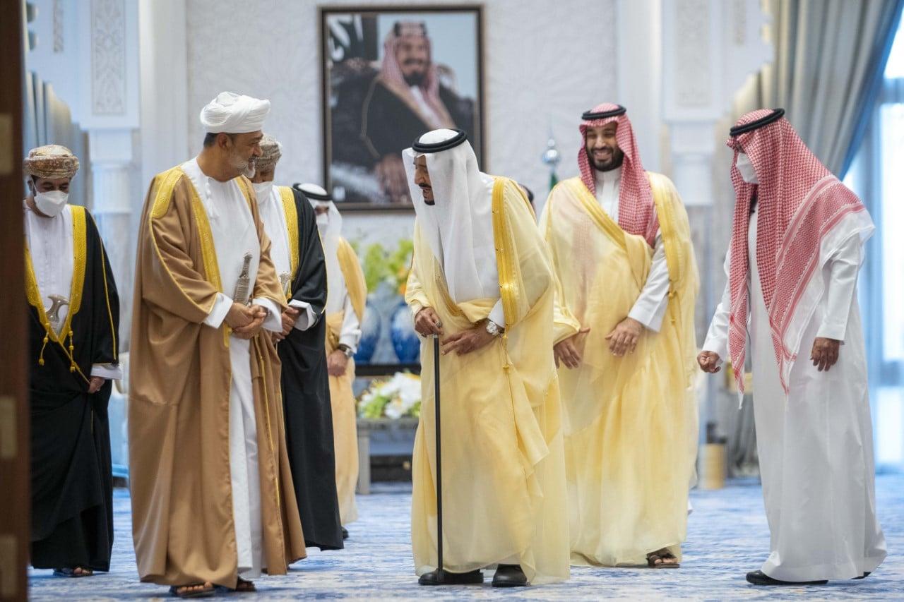 السلطان هيثم بن طارق يعزي الملك سلمان بوفاة الأميرة نوف بنت خالد بن عبدالله