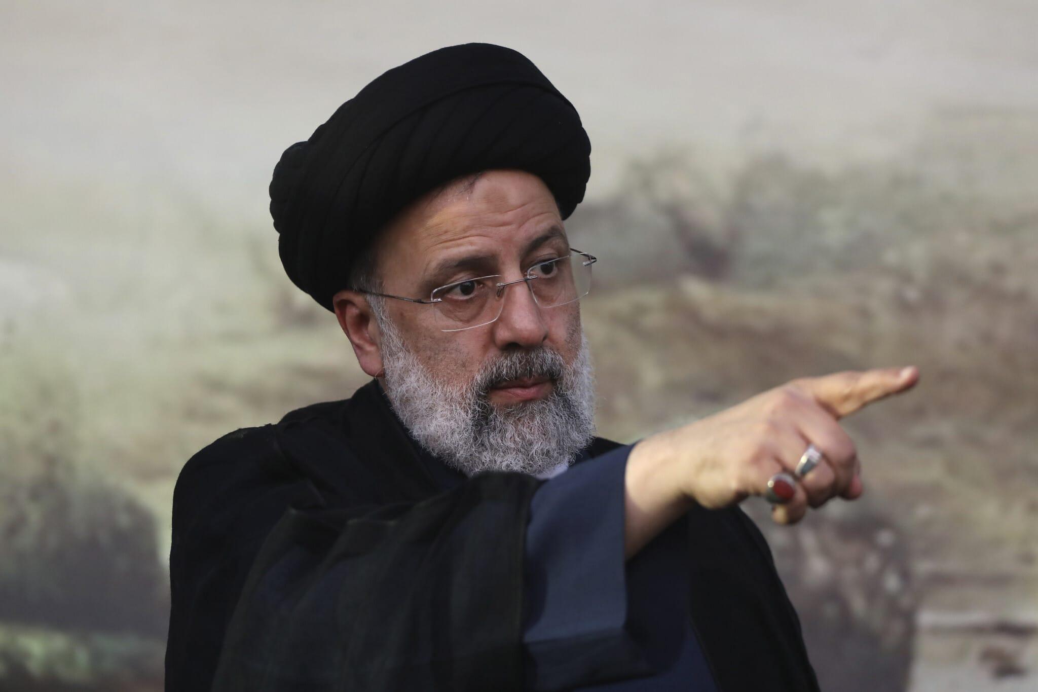 """الرئيس الإيراني الجديد بصراحة تامّة: الإمارات """"صديق مخلص"""" لإيران وأريد علاقات وثيقة معها"""