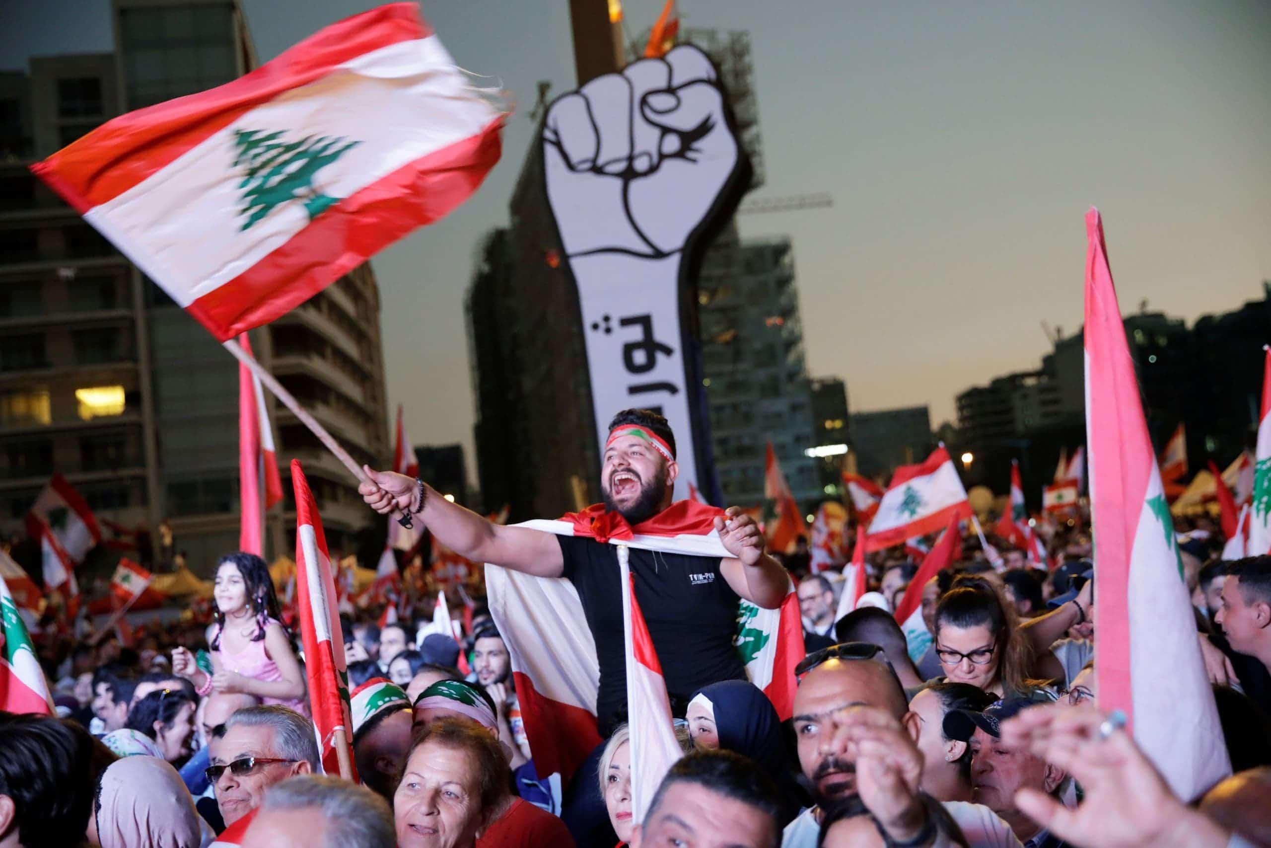 (شاهد) ما فعله الجيش اللبناني في تحرك عاجل أملا في حل أزمة الوقود الكارثية