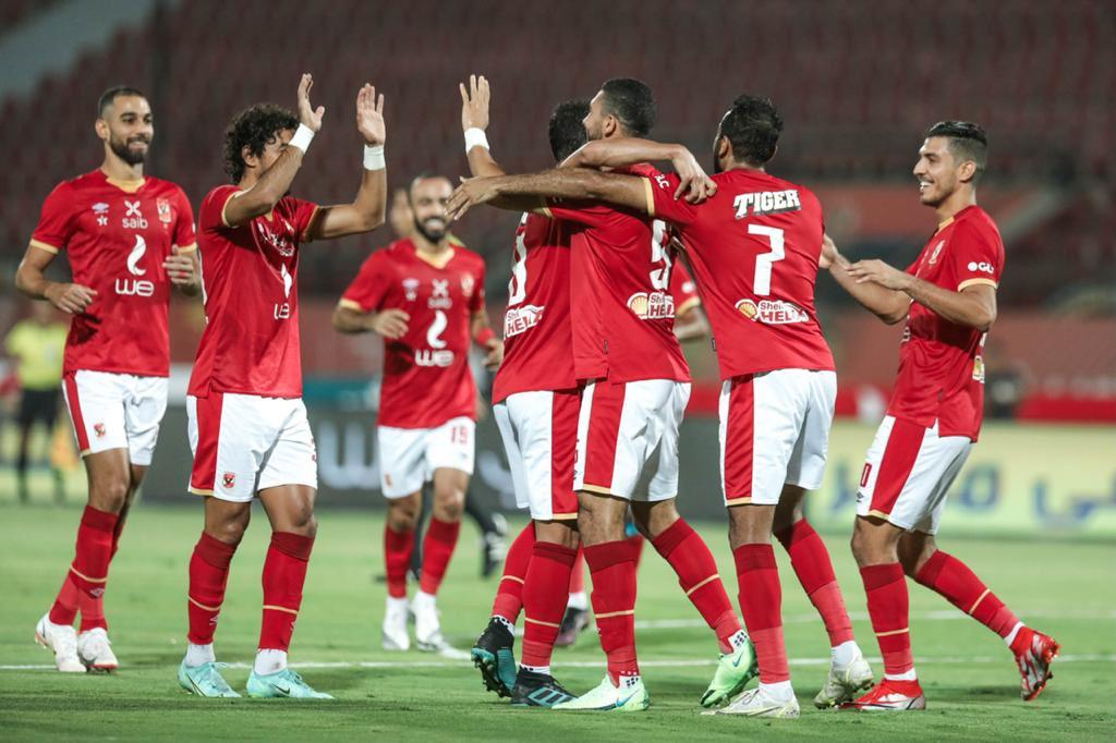 مباراة فريق الأهلي المصري ومنافسه أسوان في الدوري المصري