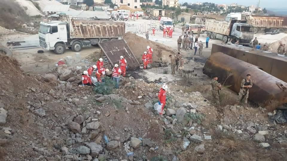 شاهد كيف وقعت مأساة التليل عكار .. خزان البنزين يقتل ويصيب العشرات ويزيد معاناة لبنان