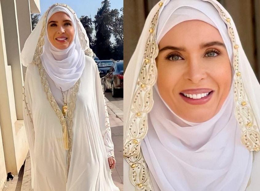 الراقصة دينا بالحجاب