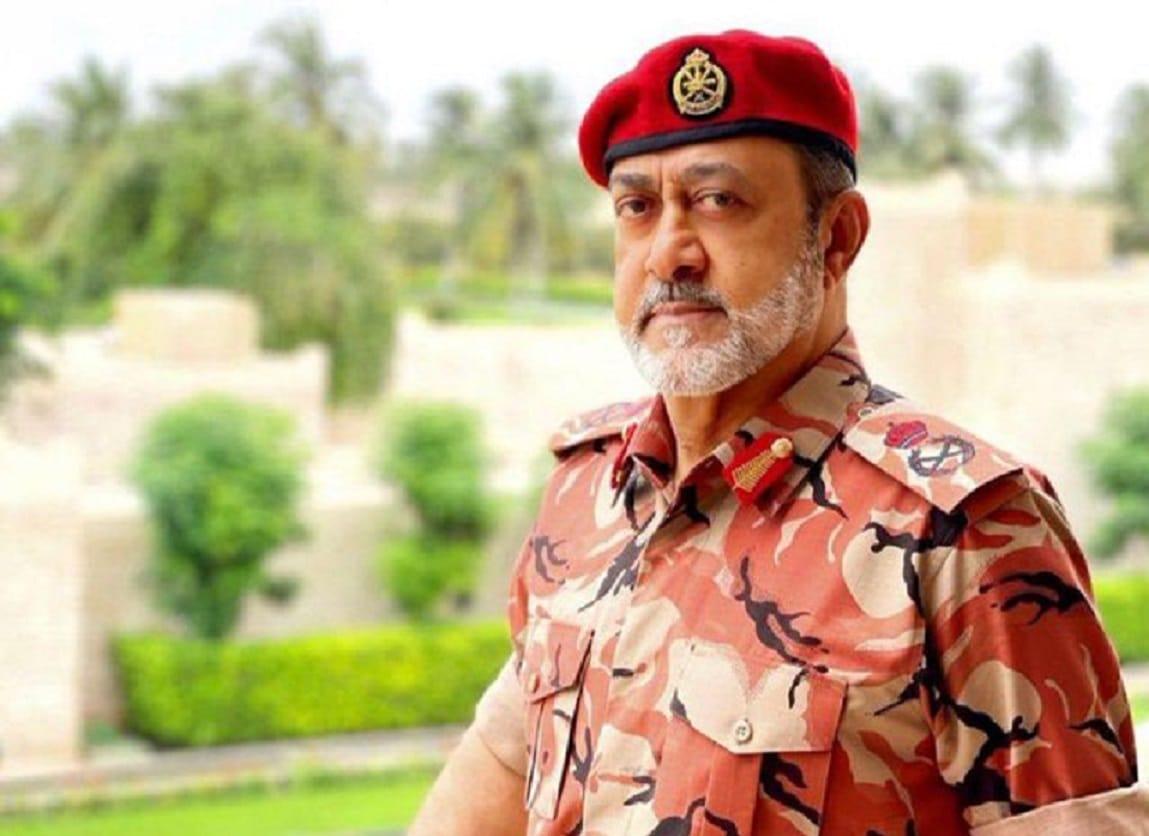 السلطان هيثم بن طارق.. ظهور جديد لسلطان عمان بالزي العسكري يلقى تفاعلاً واسعاً (شاهد)
