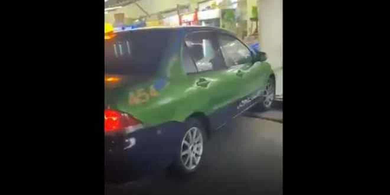 سائق تاكسي في العقبة