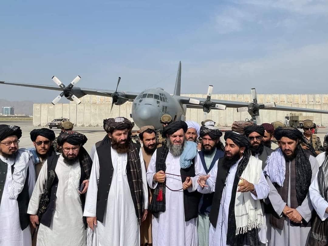 الجيش الأمريكي يخلى مطار كابل