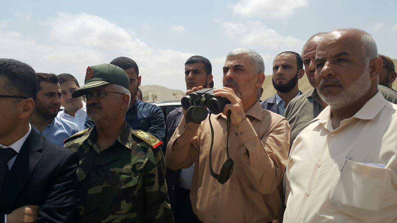 حماس توجه رسالة تحذير إلى المصريين: فتح معبر رفح أو إفلات الحدود