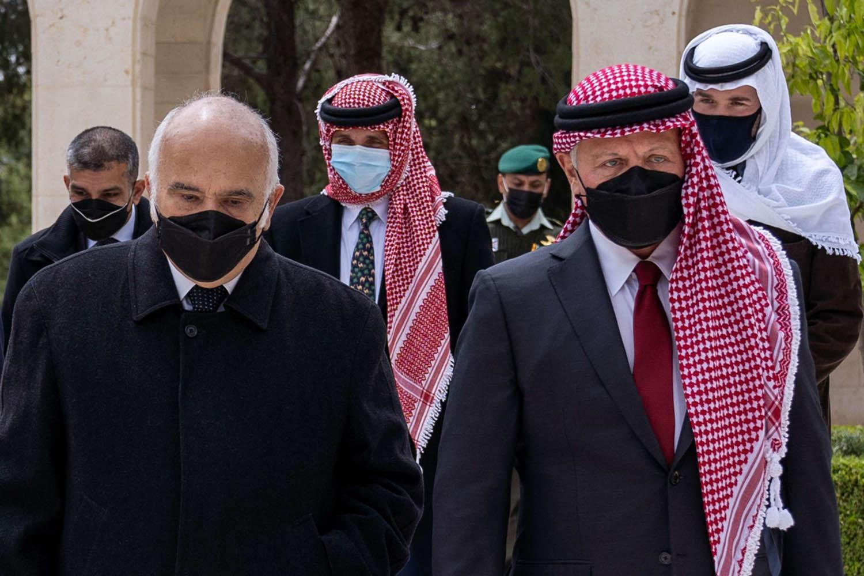 ملك الأردن والأمير الحسن بن طلال