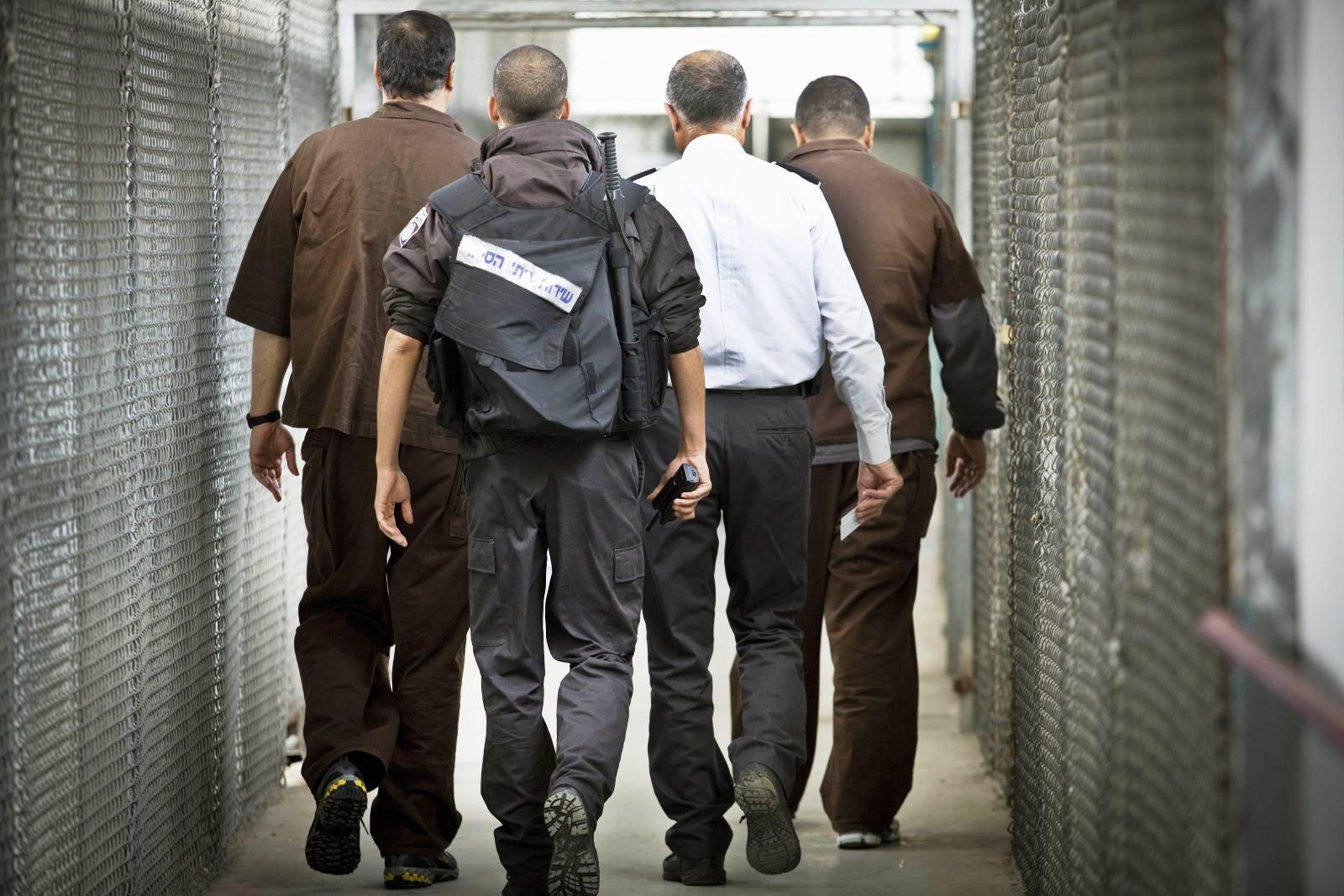 هروب أسرى فلسطينيين من سجن جلبوع