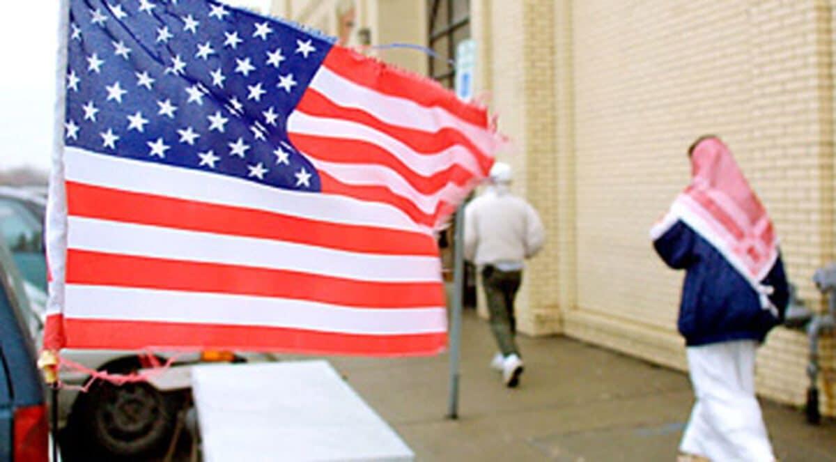 الديمقراطية في أمريكا والوطن العربي