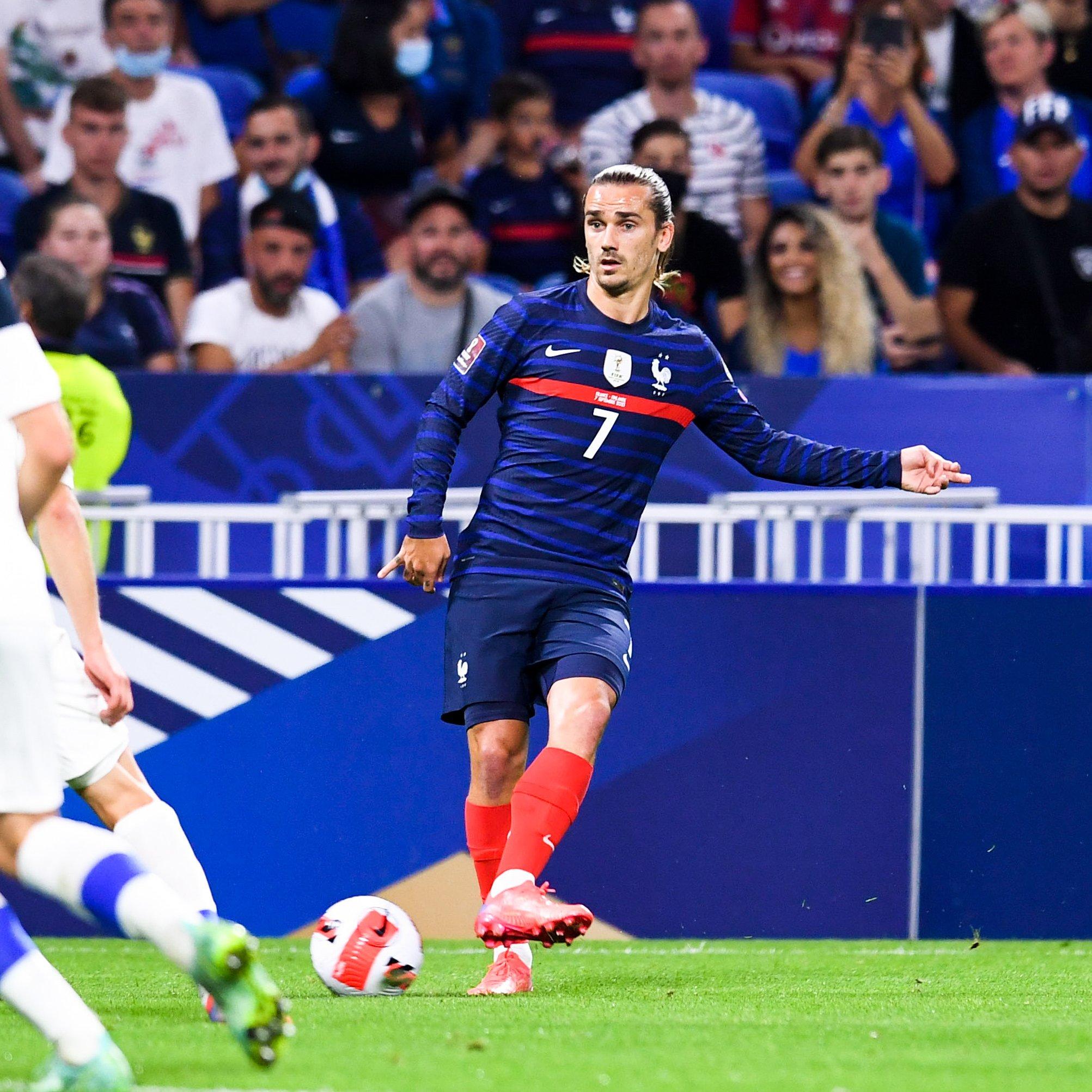 مباراة منتخب فرنسا وفنلندا في تصفيات أوروبا لمونديال كأس العالم