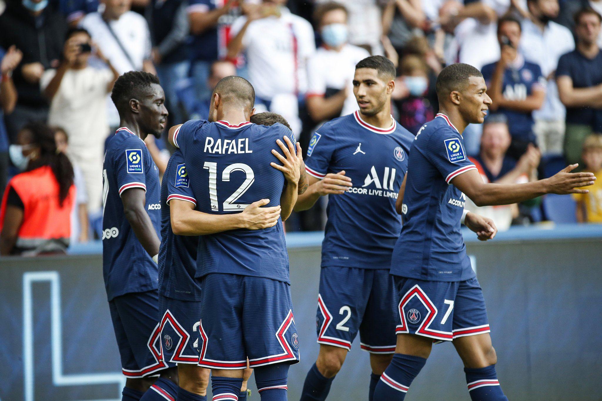 مباراة باريس سان جيرمان وكليرمونت في الدوري الفرنسي