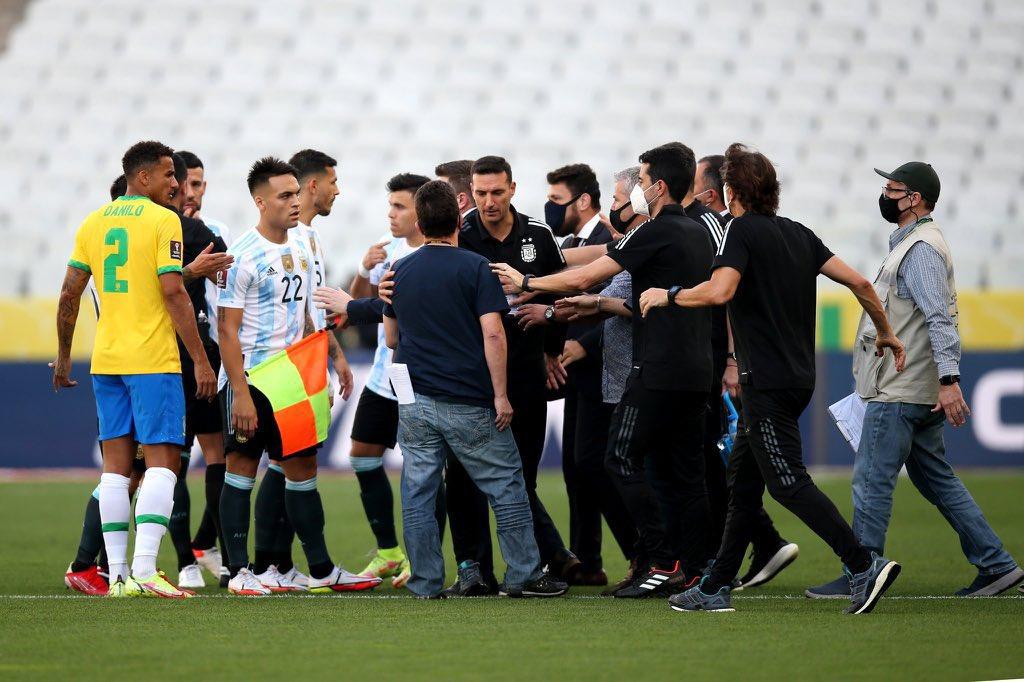 السلطات البرازيلية توقف مباراة منتخب الأرجنتين والبرازيل بسبب مخالفة إجراءات كورونا
