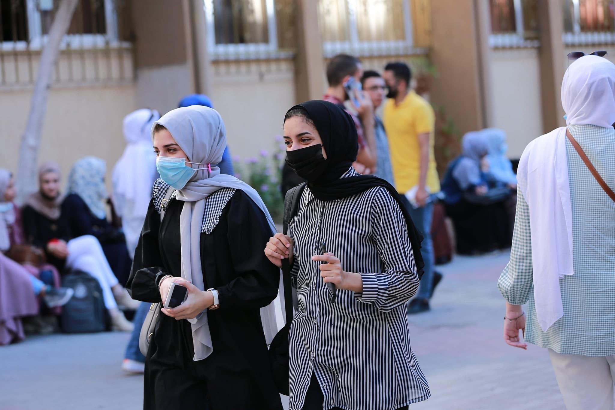 """""""كوفيتي هويتي"""".. حقيقة قيام حماس بمنع الطلاب من ارتداء الكوفية في الحرم الجامعي"""