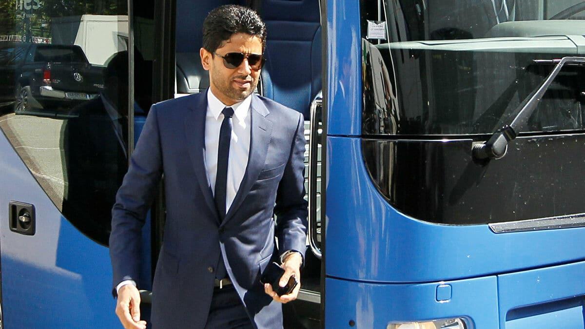 ناصر الخليفي وإهداء قميص ميسي إلى رئيس الوزراء الفرنسي