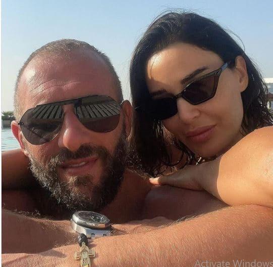 عبدالنور وزوجها