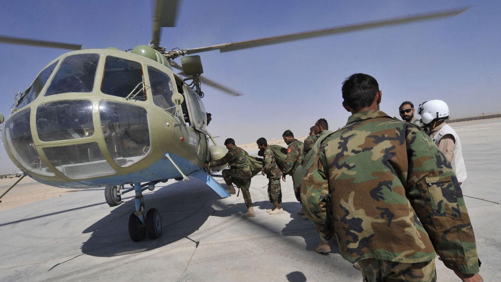 طيارون أفغان يهربون إلى الإمارات