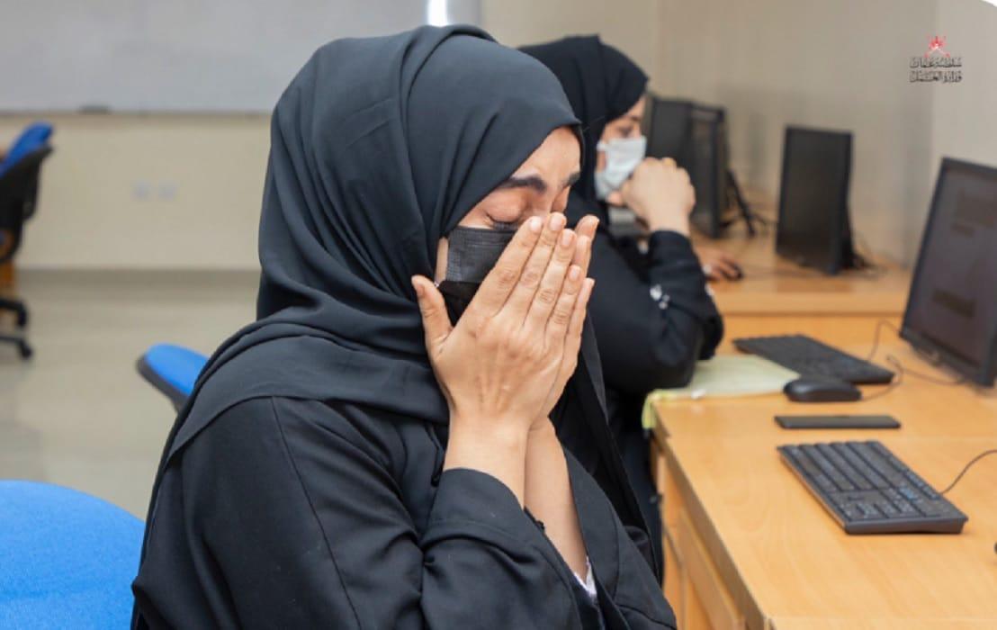 وزارة العمل في سلطنة عمان تثير غضب العمانيين بصور الناجحين في اختبارات العمل