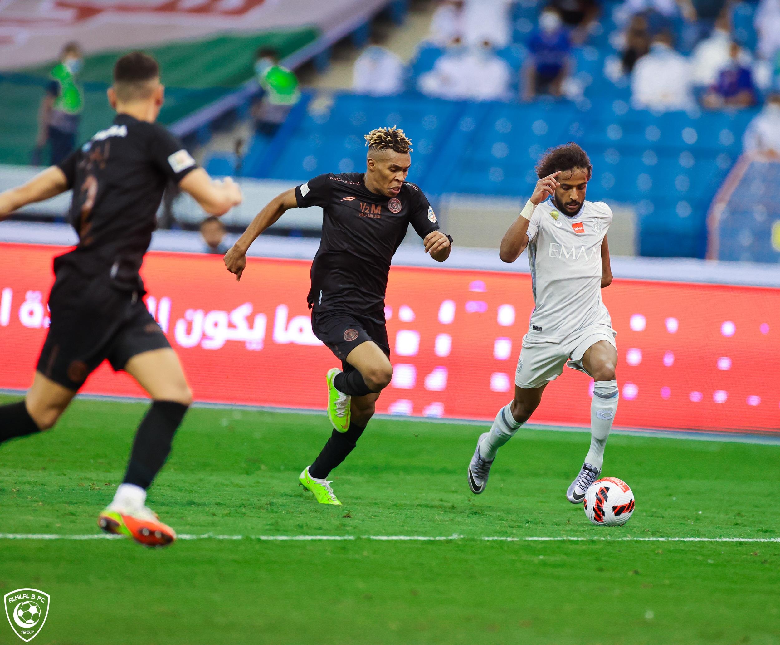 ترتيب الدوري السعودي بعد تعادل الشباب والهلال وسقوط الأهلي