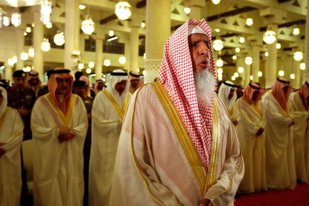 """السعودية والإمارات تحشدان القوة الدينية الناعمة لتأييد """"استبدادهم"""".. التفاصيل في هذا التقرير"""