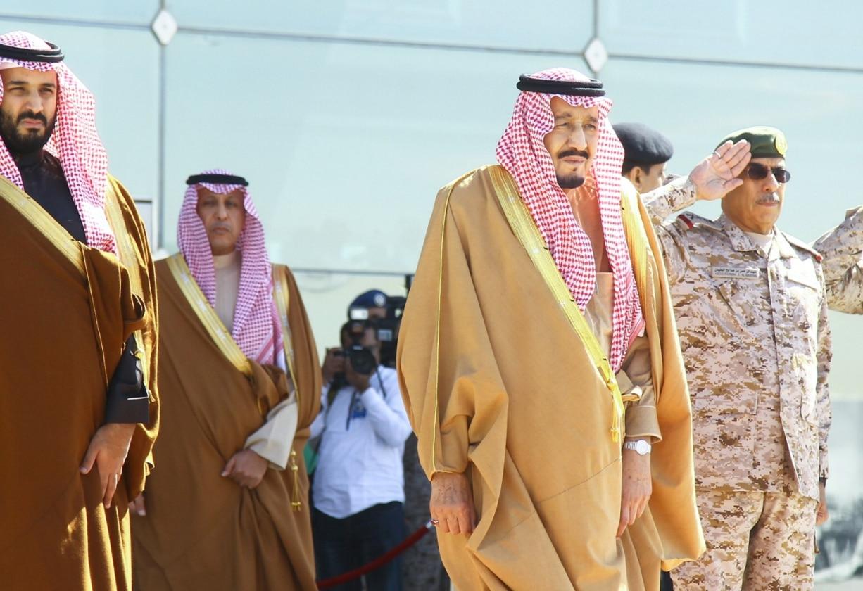 ملك السعودية سلمان بن عبدالعزيز ونجله ولي العهد محمد