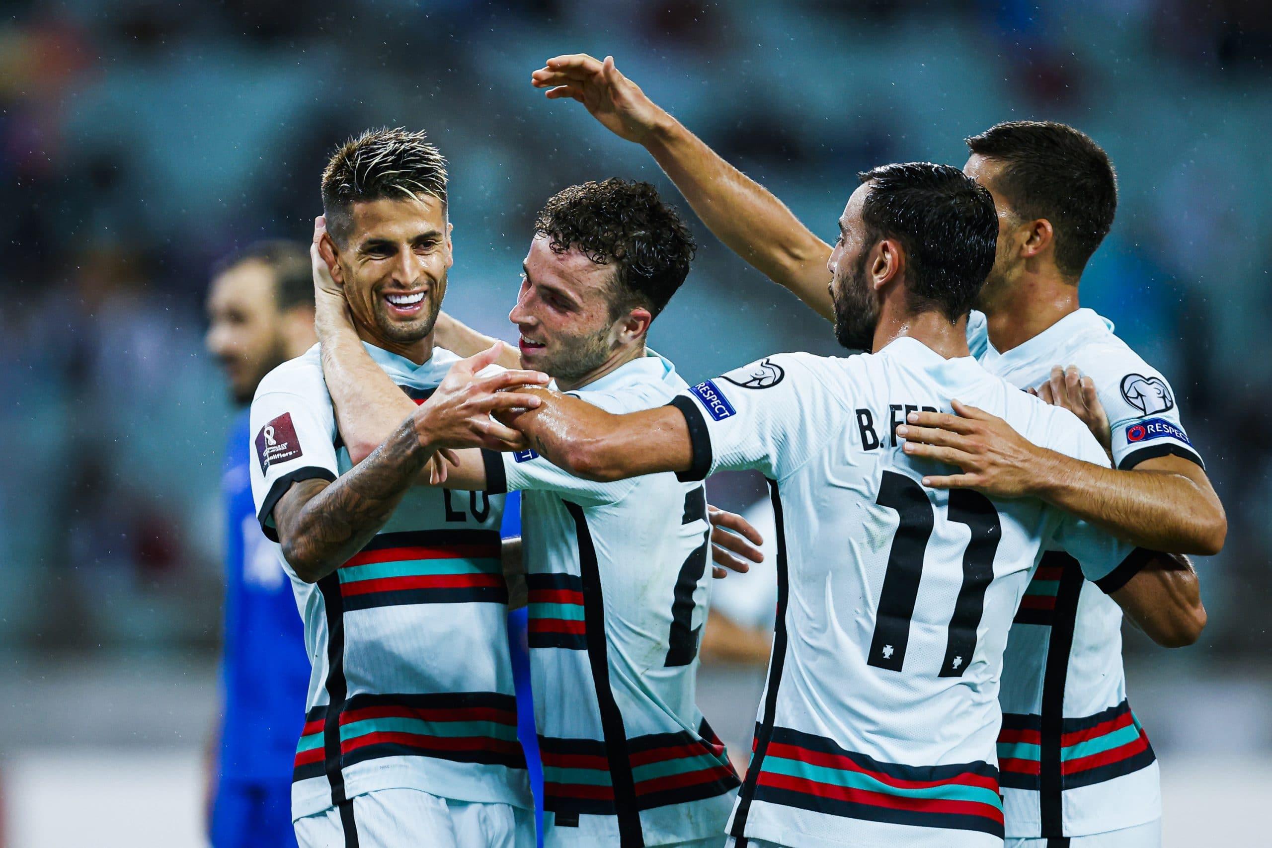 احتفال منتخب البرتغال بعد تسجيله هدف في شباك مرمى أذربيجان